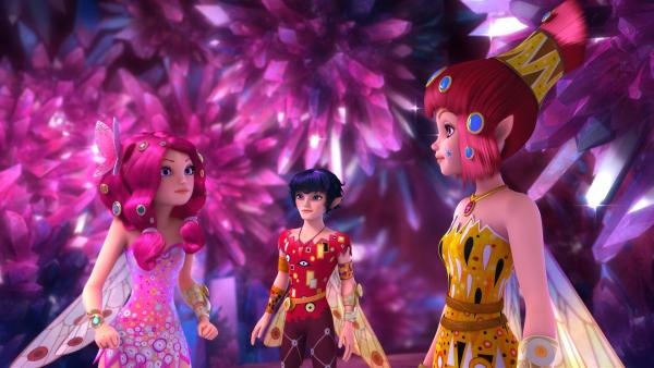 Mia, Mo und Yuko in der Kristallhöhle | Rechte: ZDF/2017 Hahn & m4e Productions