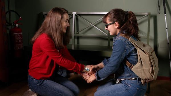 Ein weiteres Mal machen sich Mia (Margot Nuccetelli, l.) und Sara (Lucia Luna, r.) gemeinsam auf nach Centopia.   Rechte: ZDF/2017 Hahn & m4e Productions