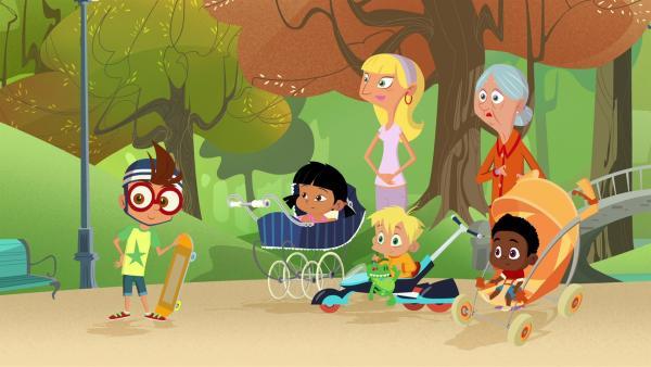 Die Spielplatzbesucher verfolgen gespannt den Wettkampf der Kindermädchen. | Rechte: KiKA/Safari de Ville/TF1/PGS Entertainment