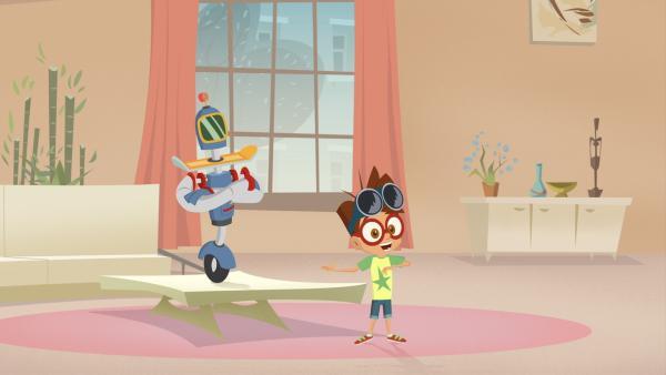 Stolz präsentiert Luke seinen selbstgebauten Putz-Roboter Ralf.   Rechte: KiKA/Safari de Ville/TF1/PGS Entertainment