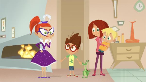 Miss Moon und die Kinder fragen sich, wer die Süßigkeiten geklaut hat. | Rechte: KiKA/Safari de Ville/TF1/PGS Entertainment