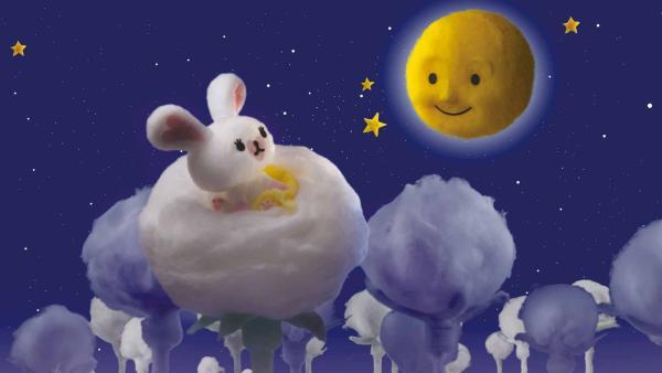 Das kleine Kaninchen Mofy spricht jeden Abend mit ihrer Freundin Luna über ihre Sorgen. Luna weiß oft Rat, wenn Mofy traurig ist. | Rechte: ZDF/SCP/AA/RAI