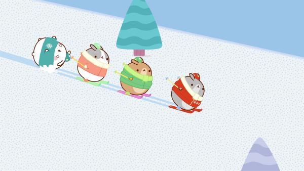 Molang und Piu Piu nehmen Skiunterricht. | Rechte: hr/Millimages