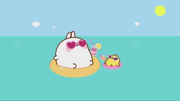 Molang und Piupiu im Schwimmring im Wasser | Rechte: hr/Millimages