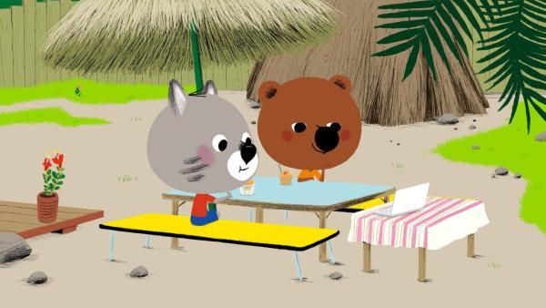Mouk und Chavapa gönnen sich ein leckeres Eis. | Rechte: KiKA/Millimages