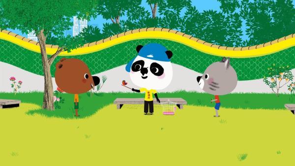 Im Park in Hong Kong treffen Mouk und Chavapa Bao, der mit seinem Singvogel Nin auf seine Freundin Sun wartet, damit deren Vogel Ling mit Nin zusammen singen kann. | Rechte: KiKA/Millimages