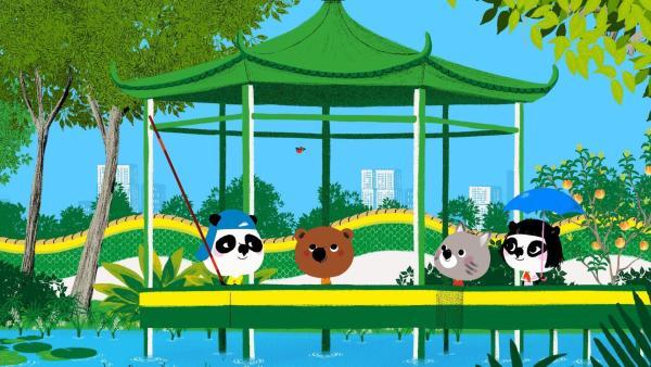 Im Park in Hong Kong treffen Mouk und Chavapa Bao und seine Freundin Sun. Sie haben sich verabredet, damit ihre Singvögel Nin und Ling zusammen singen können. | Rechte: KiKA/Millimages