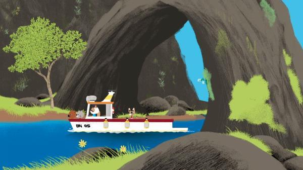 Auf Kreta dürfen Mouk und Chavapa mit Cassandra und ihrem Onkel Alex aufs Meer hinaus fahren. | Rechte: KiKA/Millimages