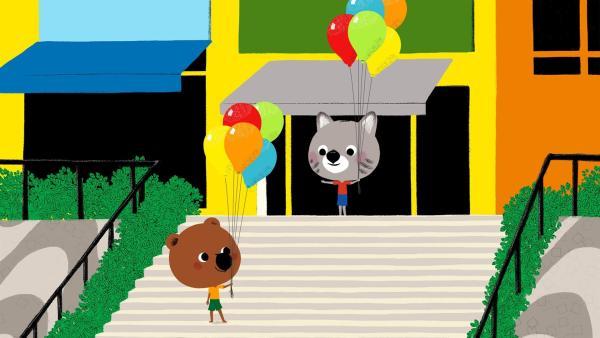 Mouk und Chavapa sind in Brasilien. Zusammen mit Freundin Baya und ihrem Bruder Edmundo wollen sie am Strand Ballons steigen lassen. | Rechte: KiKA/Millimages