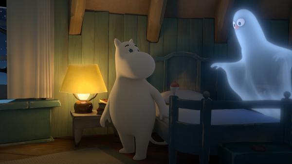 Mumintroll bekommt Besuch von einem leibhaftigen Gespenst. | Rechte: ZDF/Moomin Characters/Gutsy Animations 2019