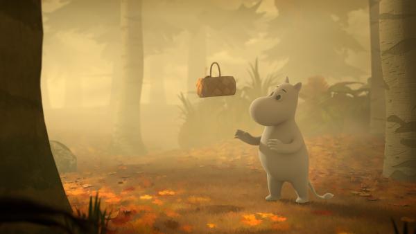 Mumintroll bemerkt beim Pilzesammeln das unsichtbare Kind. | Rechte: ZDF/Moomin Characters/Gutsy Animations 2019