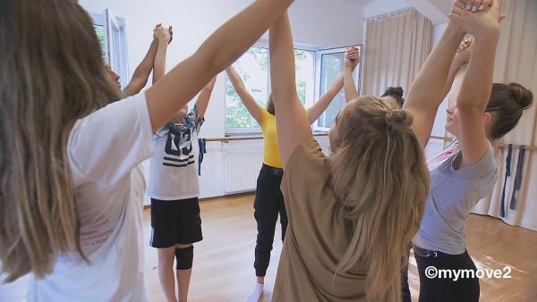 Die MY MOVE DANCECREW ist hochmotiviert. Endlich fangen sie mit der Choreo an! | Rechte: MDR/STARSHIP FILM GmbH