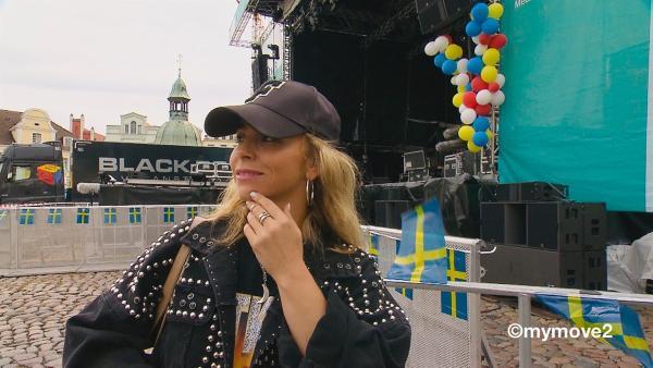 Sarah überlegt, wie sie die Choreo an die Bühne anpasst. | Rechte: MDR/STARSHIP FILM GmbH