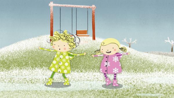 Auf dem gefrorenen Boden können Nele und Nora kaum laufen ohne auszurutschen. | Rechte: KiKA/Geronimo Productions