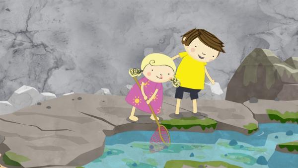 Nora und Gerrit spielen Fischen am Tümpel. | Rechte: KiKA/Geronimo Productions