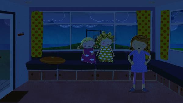 Plötzlich fällt der Strom aus und Nora, Nele und Mama sitzen im Dunkeln. | Rechte: KiKA/Geronimo Productions
