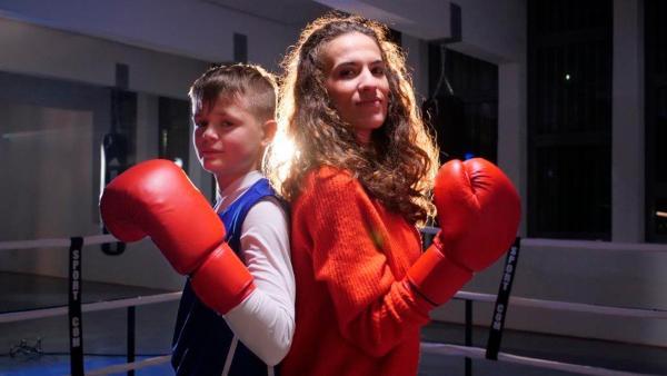 Mona trifft den 13-jährigen Boxer Sebastiano beim Training. | Rechte: WDR/tvision