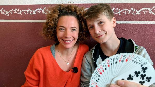 Gesa besucht den 14-jährigen Timm, der ihr zeigt, wie er mit seinem Tourette-Syndrom lebt. | Rechte: WDR/tvision