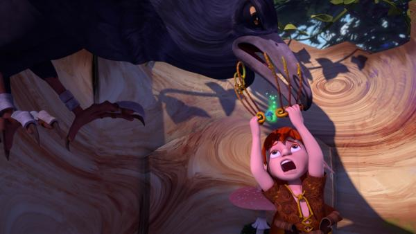 Krobak entreißt Garbor seine magische Krone. Wer diese Krone trägt, kann die Pilze beherrschen. | Rechte: BR/Studio 100 Animation/Studio 100 NV