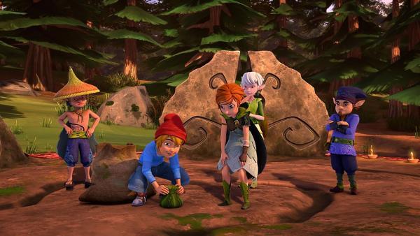 Nils benimmt sich auf dem Elfenfest total daneben. | Rechte: BR/Studio 100 Animation/Studio 100 NV