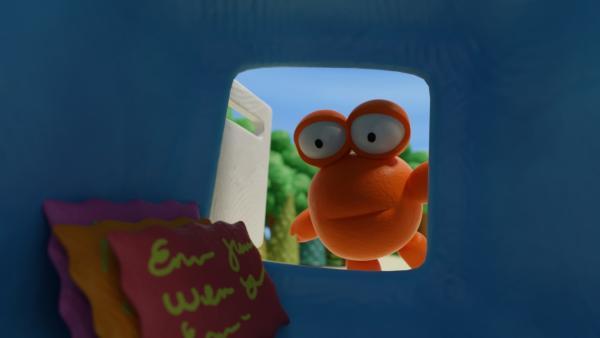 Karli schaut in den Briefkasten. | Rechte: hr/Miam/Autour de minuit