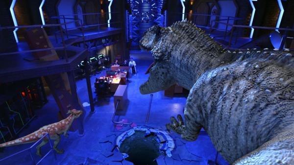 Die Dinosaurier sind aus dem Sicherheitsraum ausgebrochen. Sie bedrohen das Hauptquartier. Olive, Otto und Oscar müssen schnell eine Lösung finden. | Rechte: hr/Odd Productions LLC