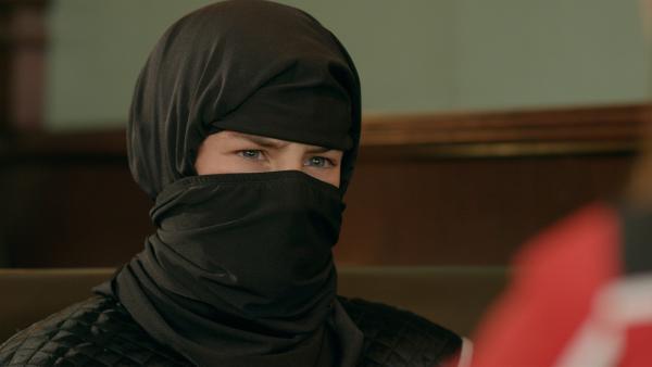 Otis (Tom Wiedemann) hat sich als Ninja verkleidet, um den bösen Ninja zu überführen. Eine gefährliche Mission. | Rechte: hr/Odd Productions LLC