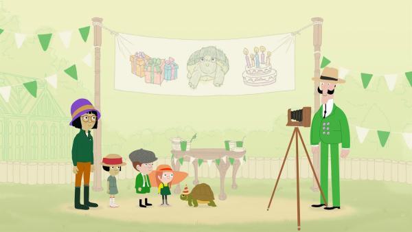 Der runde Geburtstag von Schildkröte Sonia muss gebührend gefeiert werden - am besten in historischen Kostümen. | Rechte: KiKA/Igloo Productions Ltd.