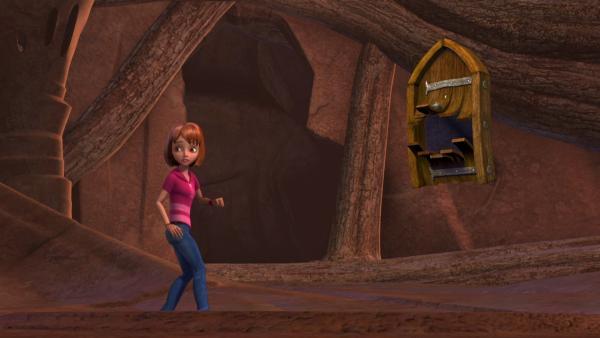 Wendy hat lange zu tun, um Michael, der eine gewaltige Angst vor der Tür hat, zu überreden, mit ihr durch sie durchzugehen. | Rechte: ZDF/method Film/DQ Entertainment