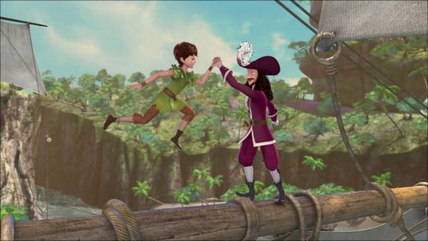 Der verwirrte Hook und die Verlorenen Kinder sind inzwischen auf die Idee gekommen, das Piratenschiff anzugreifen. | Rechte: ZDF/method Film/DQ Entertainment