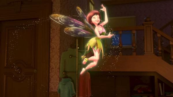 TinkerBell ist stolz auf ihre grazile Gestalt und tantz in der Luft.   Rechte: ZDF/method Film/DQ Entertainment