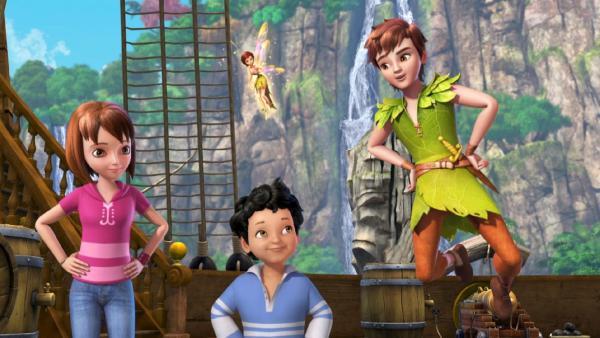 Peter Pan, Michael, Wendy und Tinker Bell haben das Spiel der Piraten durchschaut. | Rechte: ZDF/method Film/DQ Entertainment