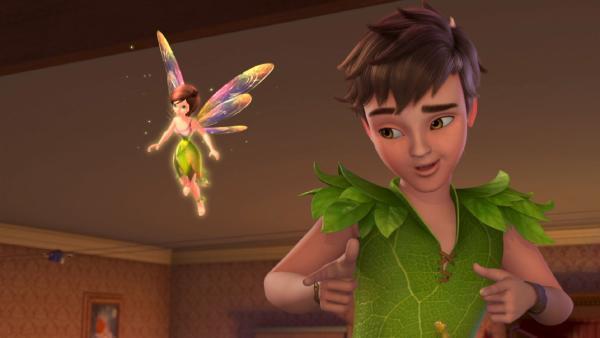 Peter Pan und Tinker Bell sind bei den Darlings in London gelandet, um die Kinder nach Nimmerland mit zu nehmen. | Rechte: ZDF/method Film/DQ Entertainment
