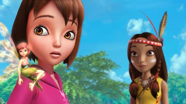 Wendy bildet mit Lily und Tinker Bell ein reines Mädchenteam bei der großen Schatzjagd. Sie wollen den Jungs zeigen, was sie drauf haben. Eine Regel besagt, dass nicht geflogen werden darf. Darum sitzt Tinker Bell bei Wendy auf der Schulter.   Rechte: ZDF/DQ Entertainment
