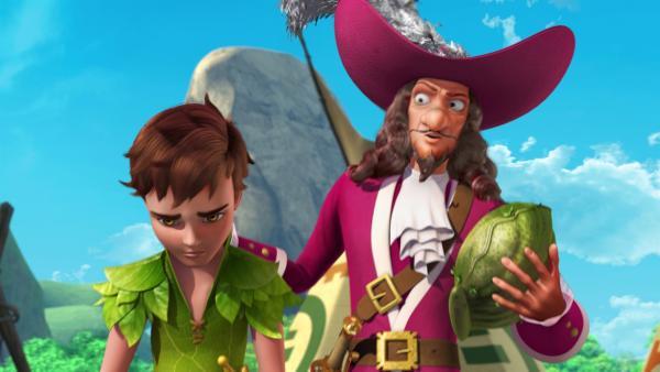 Captain Hook hat die Muschel noch in seiner Hand und kann sich somit wünschen, was er will. Gerade hat er sich gewünscht, dass Peter Pan nicht mehr fliegen kann.   Rechte: ZDF/DQ Entertainment