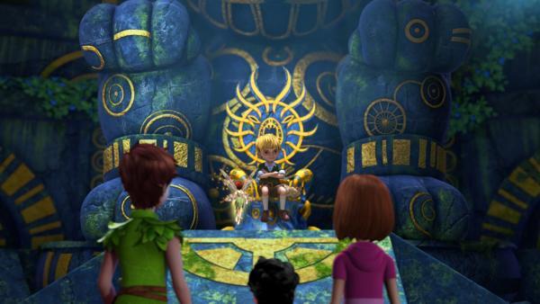 """In der Halle der Chumbas treffen Peter, Michael und Wendy auf den bösen Loki. Loki nennt sich """"Großer Chumbalaya"""".   Rechte: ZDF/DQ Entertainment"""