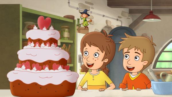 Ob eine von Petronella herbeigezauberte Torte schmeckt? | Rechte: ZDF/Akkord Film/Bastei Lübbe AG