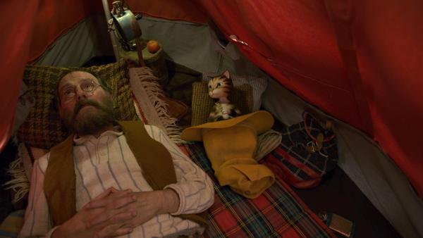 Das gemeinsame Zelten ist voller Probleme.   Rechte: ZDF/Mathias Neumann