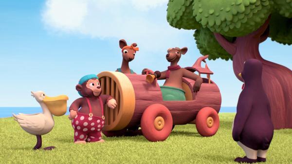 Känguru Paul ist stolz auf sein Auto – jedenfalls solange es nicht fährt. | Rechte: ZDF/Studio SOI