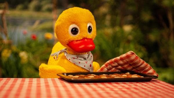 Schnatterinchen hat leckere Kekse gebacken. | Rechte: rbb/Christian Merten