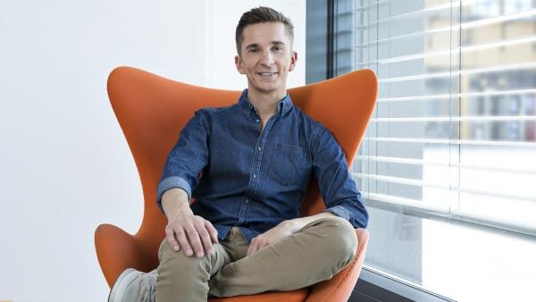 PUR+ Moderator Eric Mayer | Rechte: ZDF/Rico Rossival