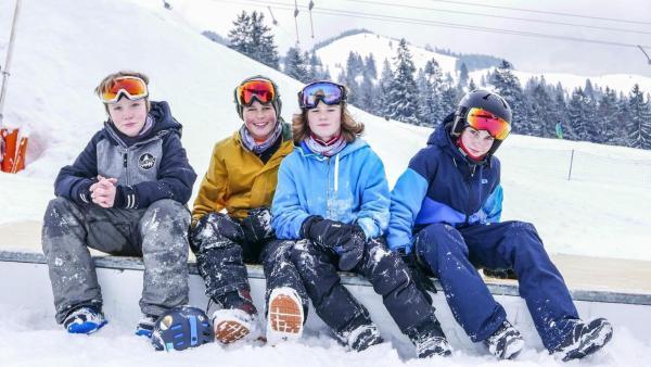 Die Freestyle-Snowboarder aus der PUR+ Folge | Rechte: ZDF