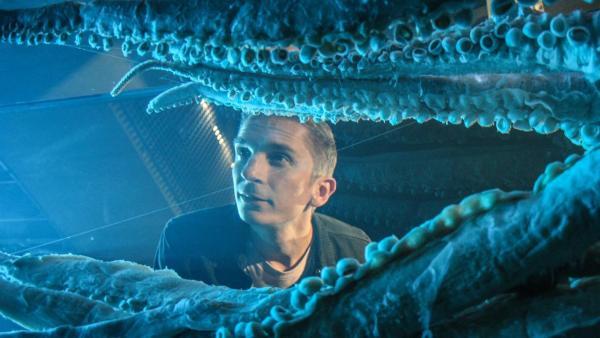 Eric vor einem Tintenfisch | Rechte: ZDF