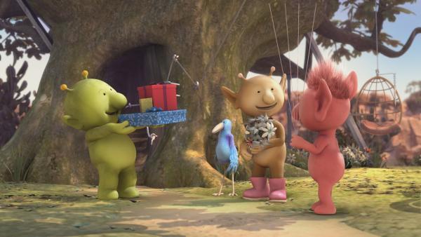 Pootle, Krah, Stella und Oopsy glauben, dass Bud-D Geburtstag hat. Sie haben sogar schon Geschenke für ihn besorgt. | Rechte: KiKA/Snapper Productions/Q Pootle 5 LTD