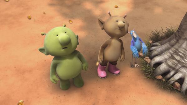Pootle, Stella und Krah überlegen, wie sie an die Früchte des Abendfruchtbaums herankommen. | Rechte: KiKA/Snapper Productions/Q Pootle 5 LTD