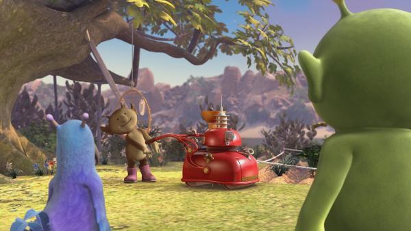Stella führt Krah und Pootle das neue Arbeitsgerät vor: der Galaxo Pflanzer 2000. | Rechte: KiKA/Snapper Productions/Q Pootle 5 LTD