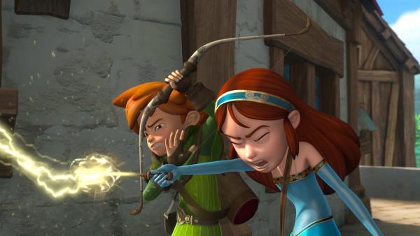 Marian versucht, die Diebe mit einem Zauberspruch aufzuhalten. Robin Hood ahnt, dass das schief geht. | Rechte: ZDF/Method Animation/DQ Entertainment/Fabrique d'images/ZDF Enterprises/De Agostini
