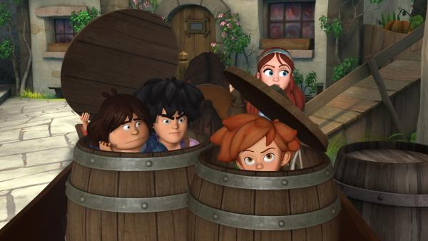 Die drei Gefährten Tuck, Little John und Robin Hood lassen sich von Marian in Fässern versteckt ins Schloss schmuggeln. | Rechte: ZDF/Method Animation/DQ Entertainment/Fabrique d'images/ZDF Enterprises/De Agostini