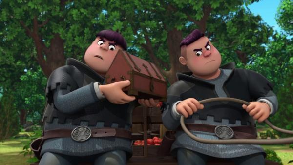 Irgendjemand redet in der Kiste die ganze Zeit. Ralf (r.) und Rolf (l.) sind irritiert.    Rechte: © ZDF/Method Animation/DQ Entertainment