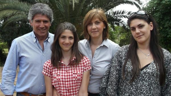 Federica (2.v.l.) mit ihrer Familie | Rechte: hr